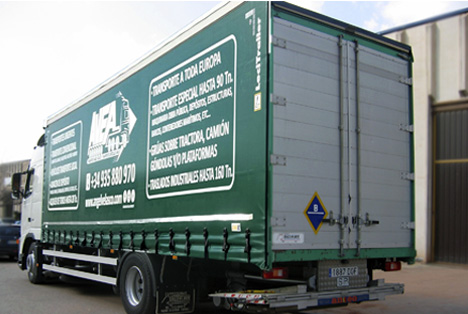 Canvas trucks from 1.500 Kg up to 16 tons for lateral, rear or superior load with elevator door.